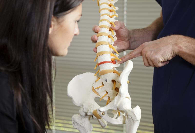 Beratung durch Heilpraktiker für Physiotherapie Bergisch Gladbach
